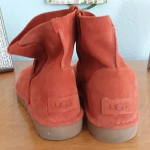 UGG Classic Unlined Mini Perf Size 9 Fire Opal